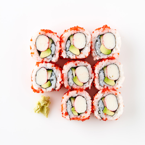 Uramaki California roll (8 Pieces) Crabstick, Cucumber Avocado, Lump fish Caviar