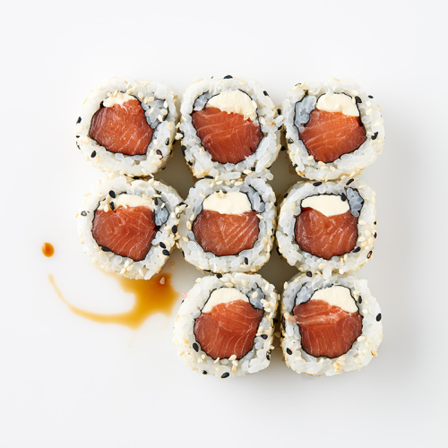 Uramaki (8 Pieces) Salmon, Philadelphia Cheese, Sesame Seeds